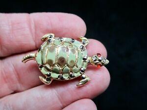 Vintage-1950-039-s-Marcasite-Green-Turtle-Rhinestone-Figural-Brooch-Pin