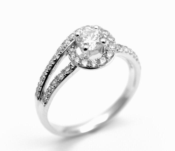 Diamond-Unique Solitaire Split Shank Shoulder Set 9ct gold Ring (40923)