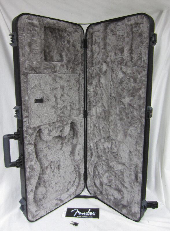 New Fender Stratocaster Guitar Strat Flight Hard Case Key Lock Plush Flightcase
