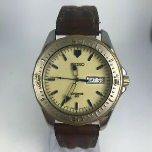 Vintage-Seiko-Mens-7N43-8B20-Brown-Leather-Band-Luminous-Sport-Watch-READ