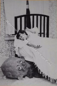 A86 Freaky Bizarre Strange Odd Girl Scary Head Under Bed Vintage Photo Weird Pic