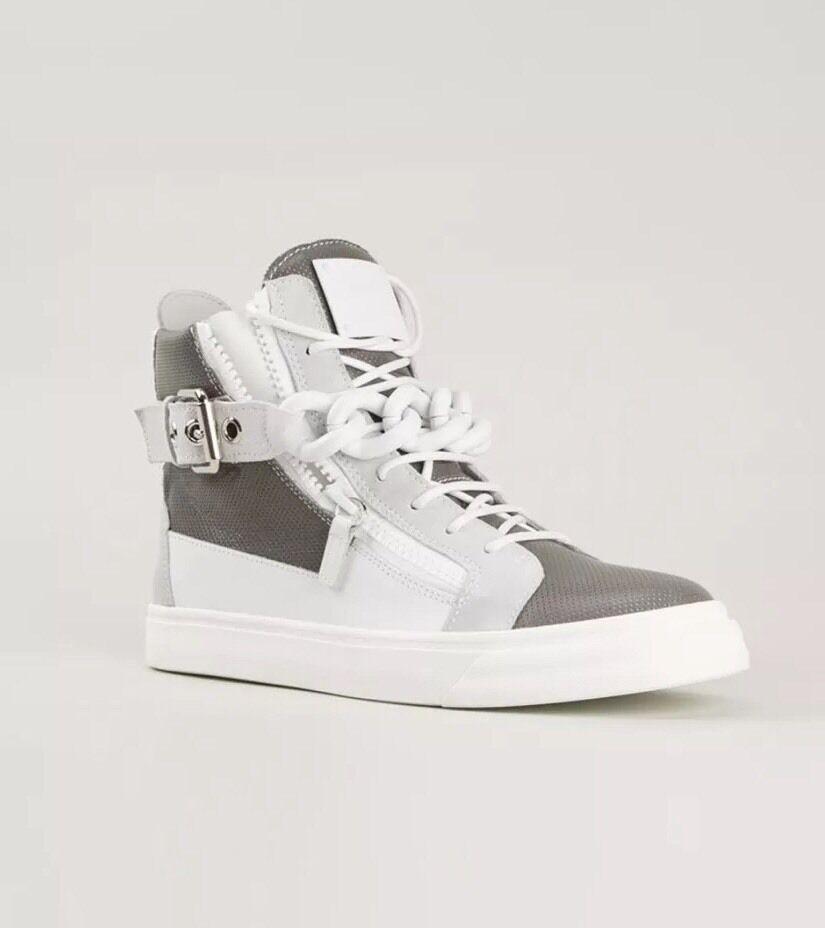 Scarpe casual da uomo  Giuseppe Zanotti Mixed Media White/Gray Chain Buckle Sneakers 39 95.00