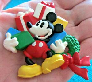 VTG-Hallmark-DISNEY-Mickey-Mouse-Christmas-Holiday-Resin-Lapel-PIN-Gifts-Brooch