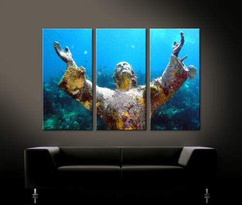 STATUE OF JESUS CHRIST UNDER WATER Leinwand Bild Bilder Wandbild Abyss Wasser