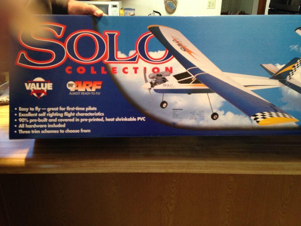 nuovo R C  Hangar 9 Solo Trainer ARF Kit With .40 classe Engine  presa di marca