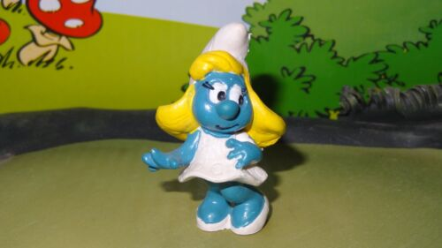 Smurfs Classic Smurfette Smurf Rare Vintage Unique Display Toy Figurine