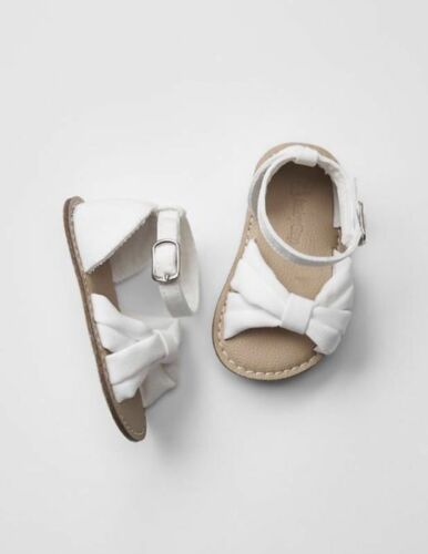 GAP Baby Toddler Girls Size 12-18 Months White Bow Sandals Flats Shoes