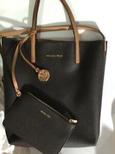 Gently Used 1 week Michael Kors Hayley Tote Bag Handbag Purse w/ wristlet peanut
