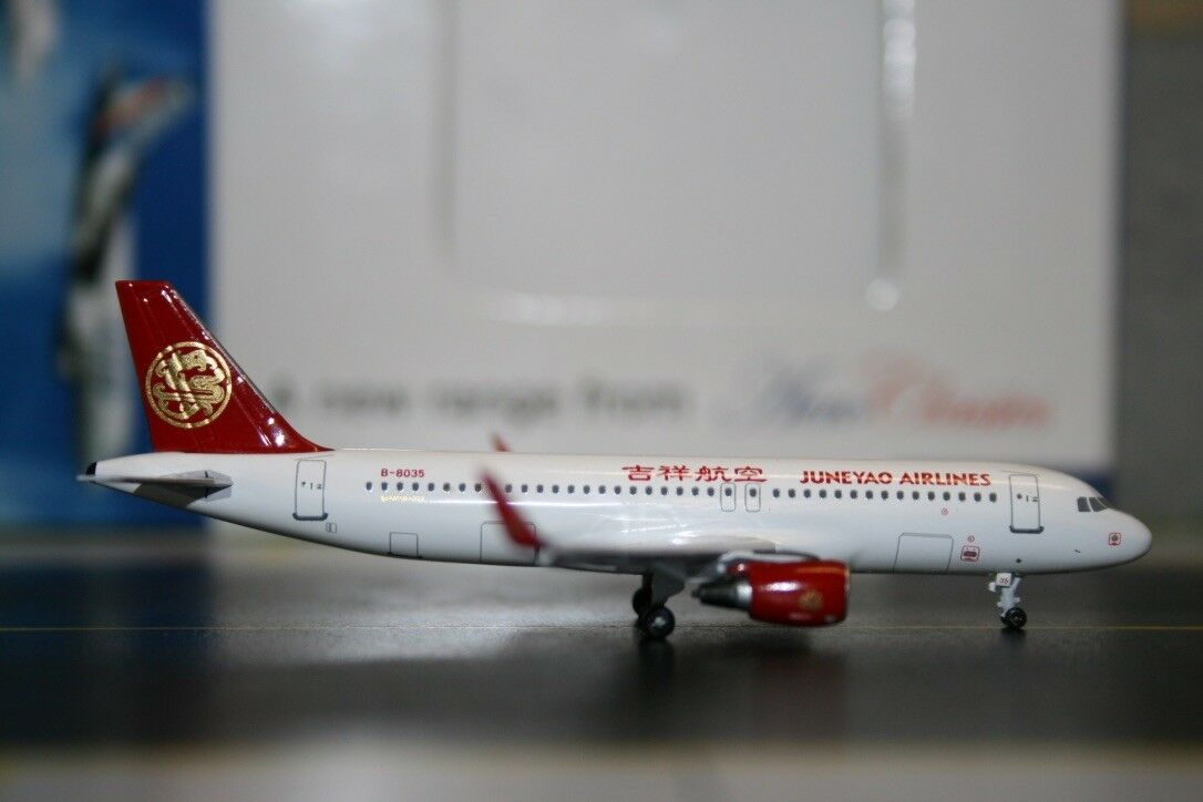 Aeroclassics 1 400 Juneyao Airlines Airbus A320-200 B-8035 (ACB8035) Model Plane