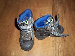 Next Bebé Niños Resistente al agua fácil fijar botas talla 4 totalmente nuevo con etiquetas
