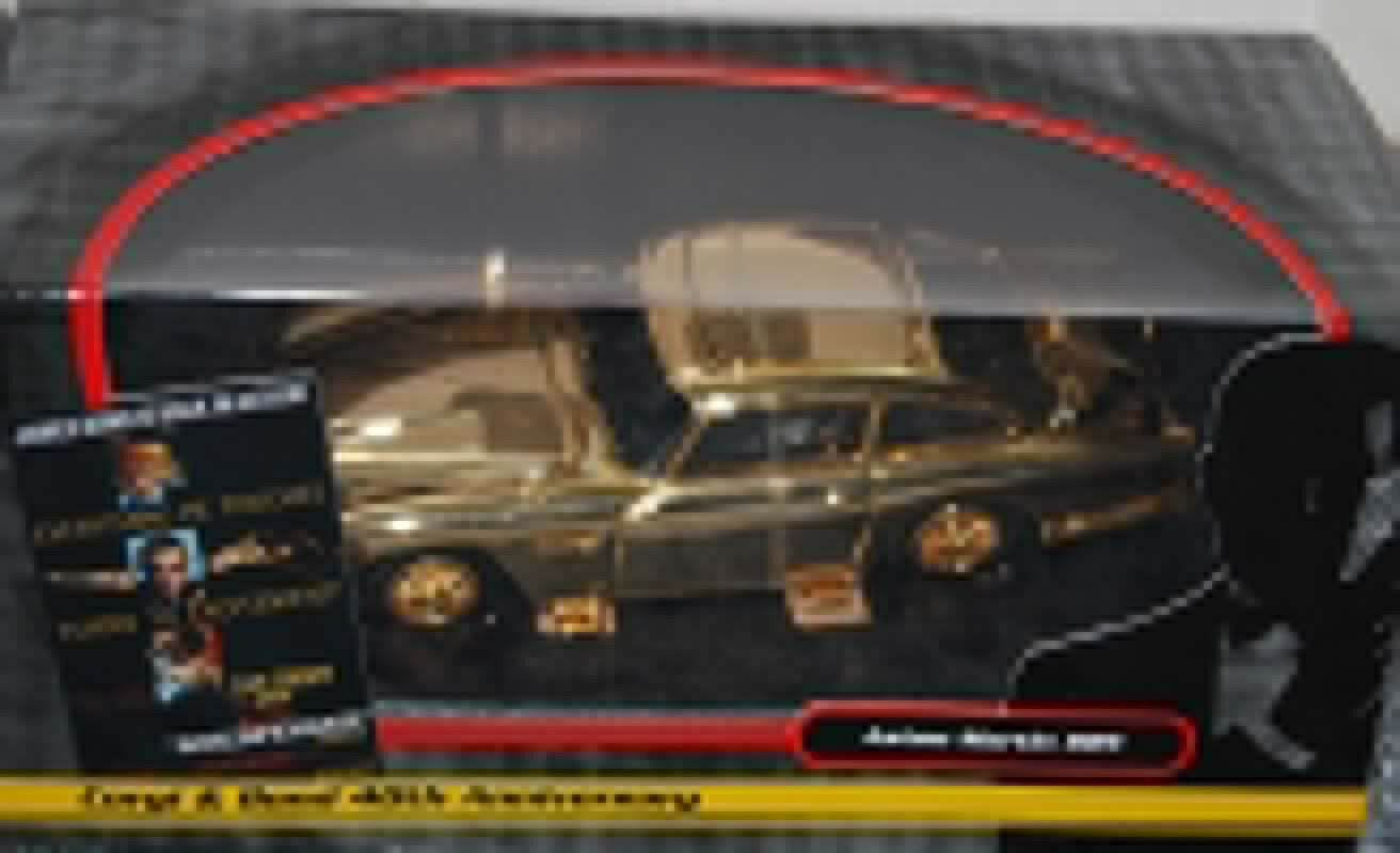 gold Plated Aston Martin DB5 James Bond 40th Anniversary goldfinger