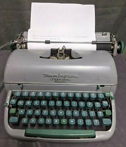 Vintage Remington Quiet-Riter Eleven Manual Typewriter (NH)