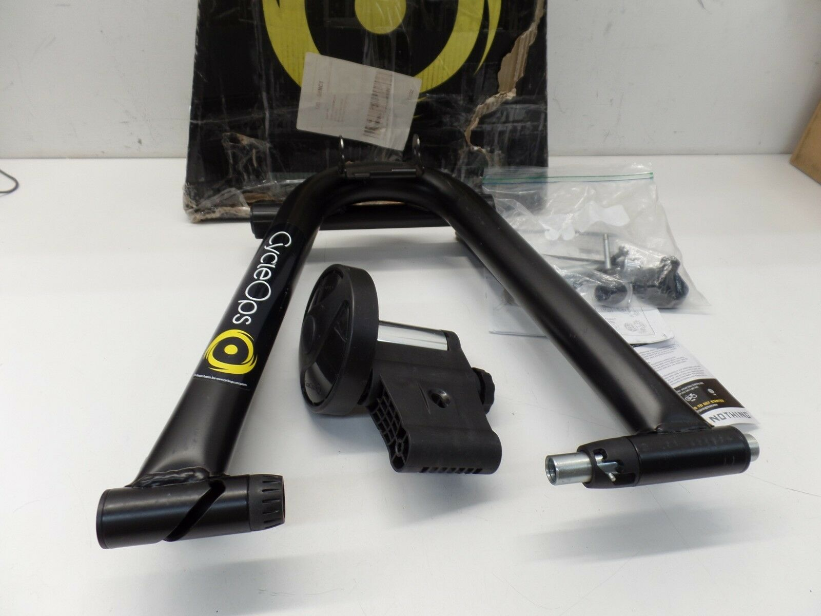 CycleOps Mag Bike Trainer -- AS IS (Missing L  Bolt)  come to choose your own sports style