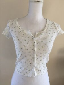brandy-melville-crop-cotton-eyelet-white-blue-floral-button-up-zelly-top-NWT