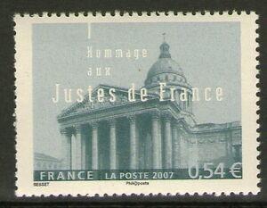 TIMBRE-4000-NEUF-XX-LUXE-LE-PANTHEON-HOMMAGE-AUX-JUSTES-DE-FRANCE