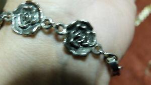 Bracelet-argente-fleurs-BIJOUX