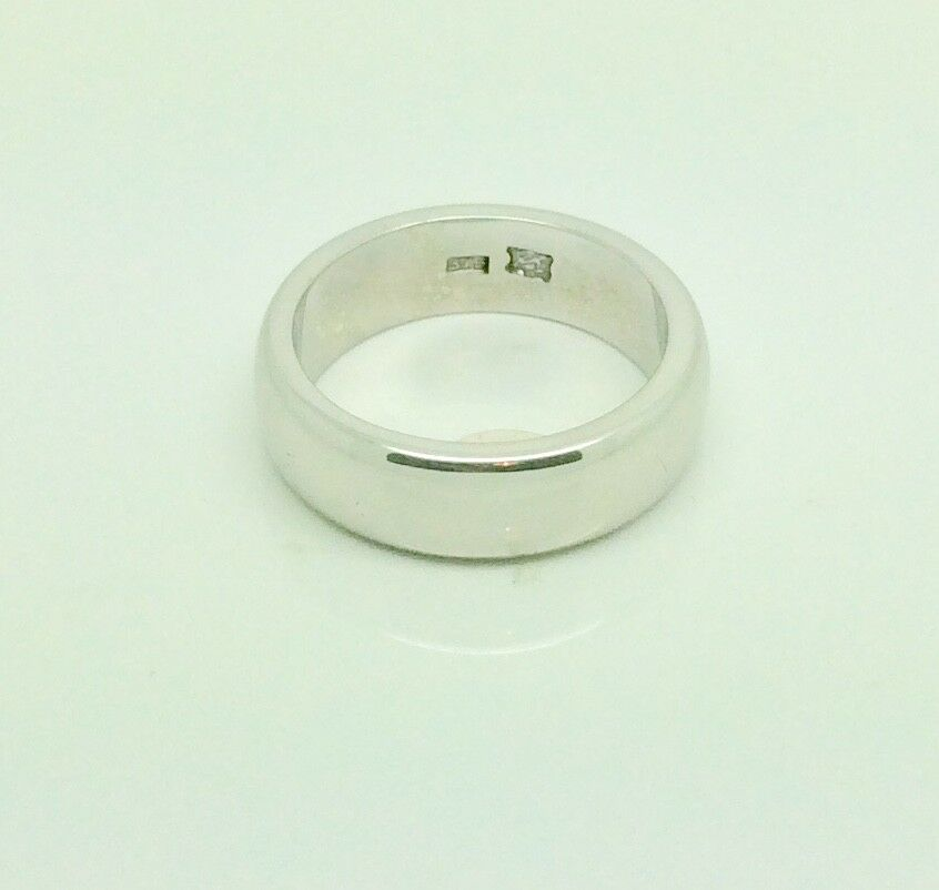 9ct White gold Wedding ring size T