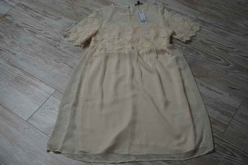 Gr. 32  Kleid von WAREHOUSE  -neu-