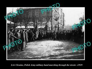 OLD-POSTCARD-SIZE-PHOTO-LVIV-UKRAINE-POLISH-ARMY-MILITARY-IN-THE-STREETS-c1919