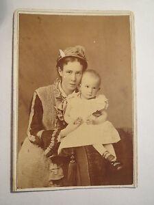 Mannheim-junge-Frau-mit-Hut-amp-kleines-Kind-Baby-Portrait-CDV