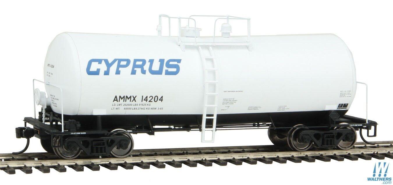 HO Scale WALTHERS PredO 920-100129 CYPRUS 40' UTLX 16,000 Gal. Funnel-Flo Tanker