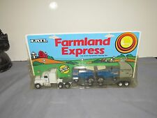 Vintage FORD New Holland TW-35 Tractor and SEMI Truck Hauling Set Ertl 1988 1/64