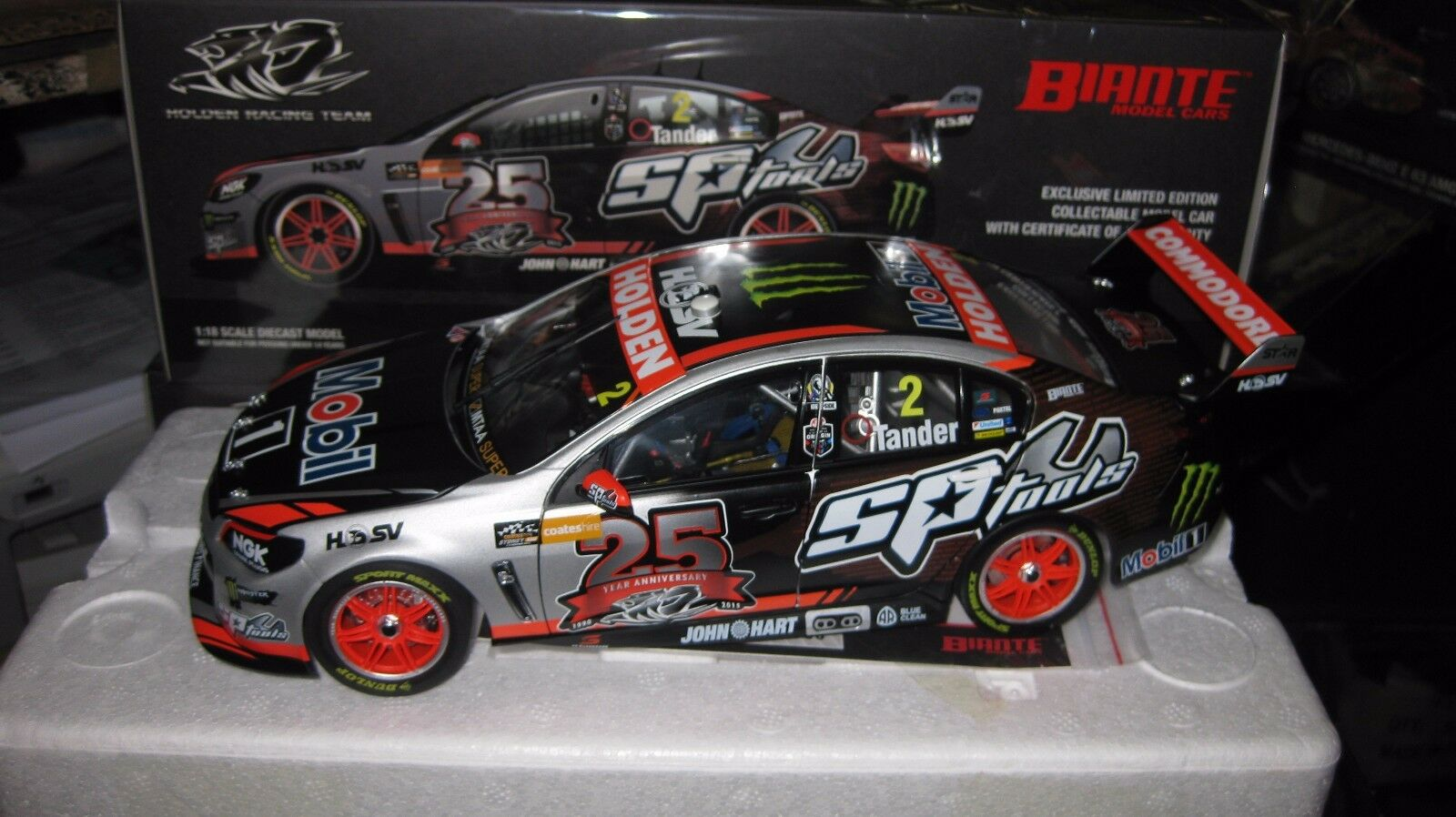 BIANTE 1 18 G TANDER HOLDEN COMMODORE 2015 V8 SUPERCAR SYDNEY 25th ANNIVERSARY
