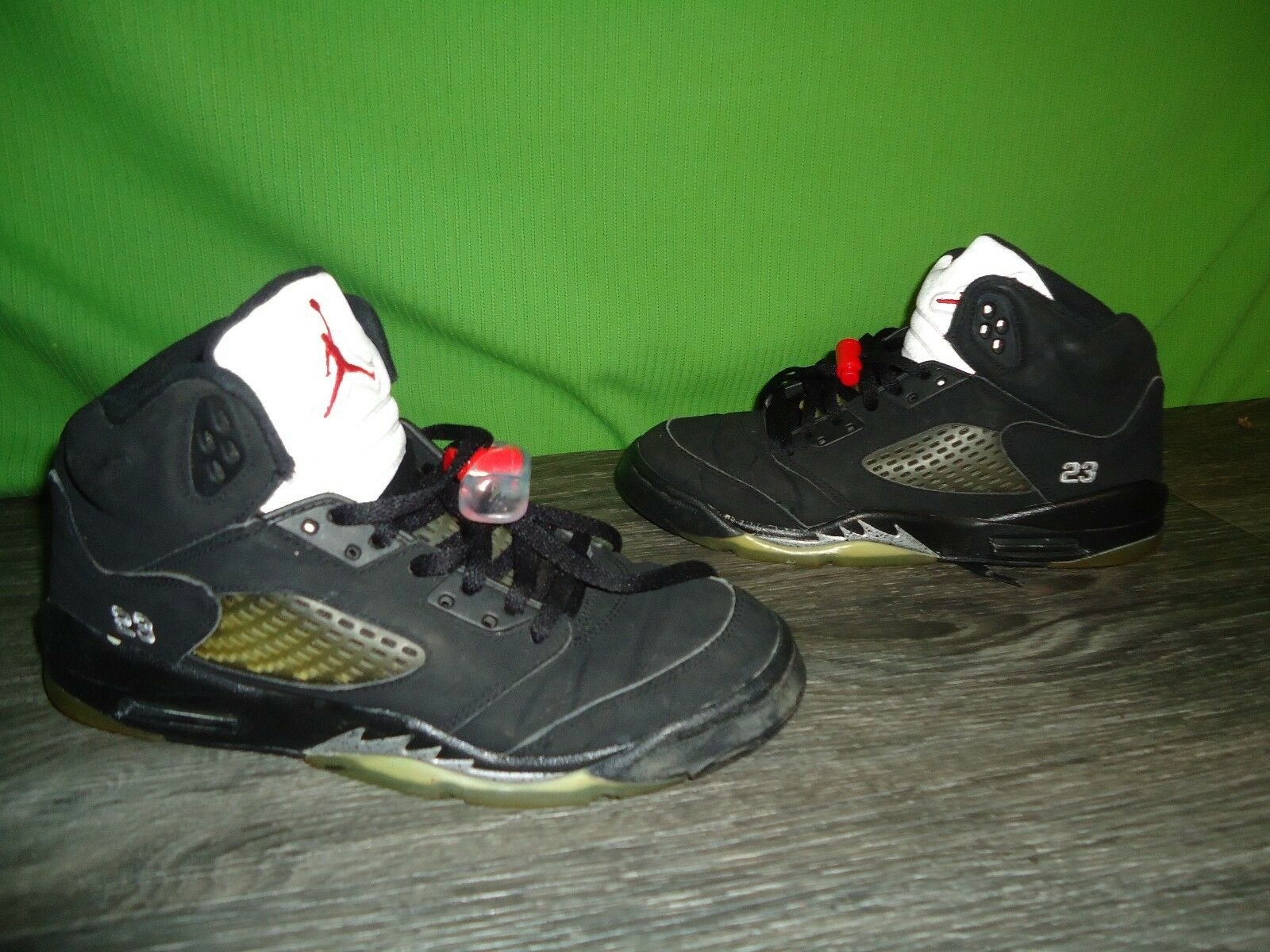 2006 Air jordan V 5 shoes size 6Y