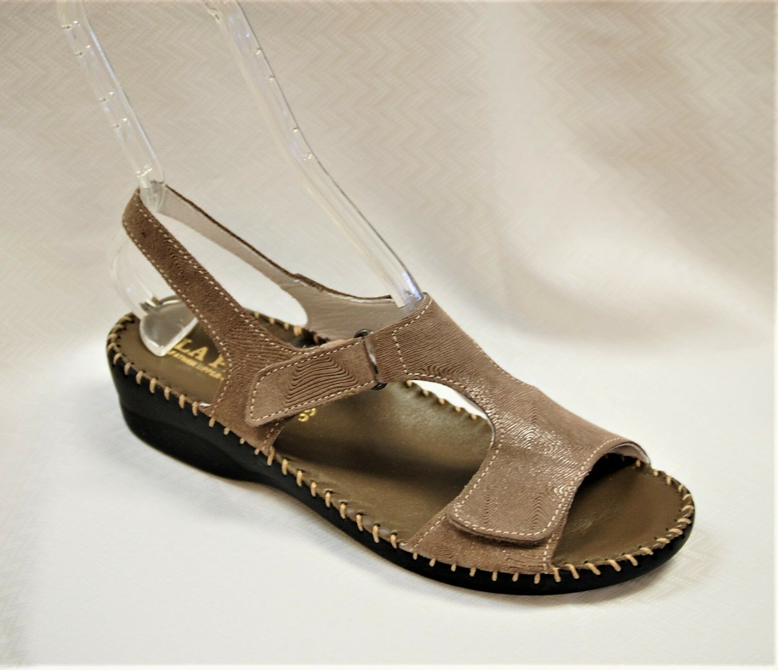 La Plume Expo Women's Taupe print Leather wedge sandal adjustable Straps size 36