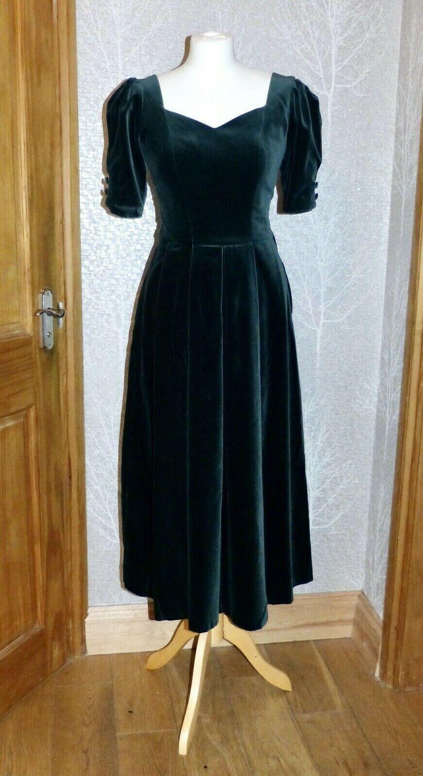 Vintage Laura Ashley 14 (12) Bottle Forest Green Velvet Sweetheart neck Dress