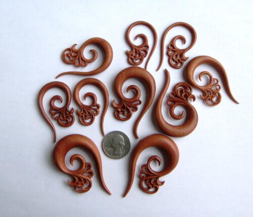 Paire Sculpté à la main Tribal Floral Sawo Bois Spirale Oreille Expander Taper Plugs Gauges