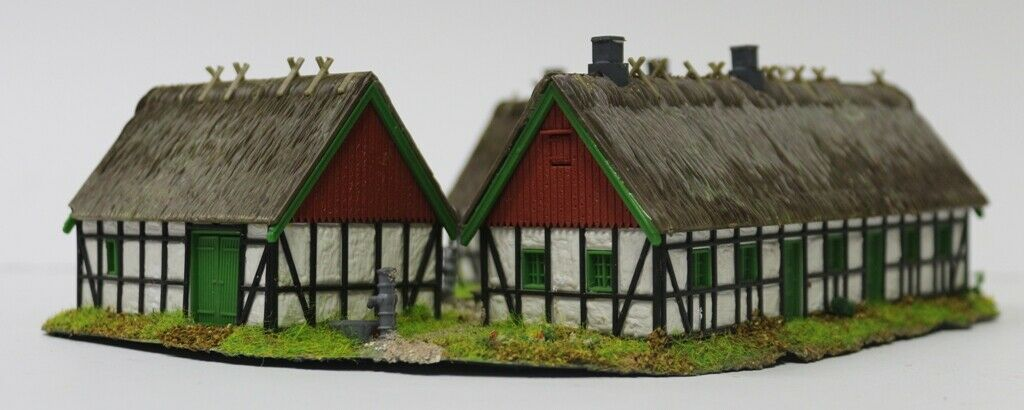 649dm HO Farm typical Nordic mounted and Painted with Lighting 1 87 scale