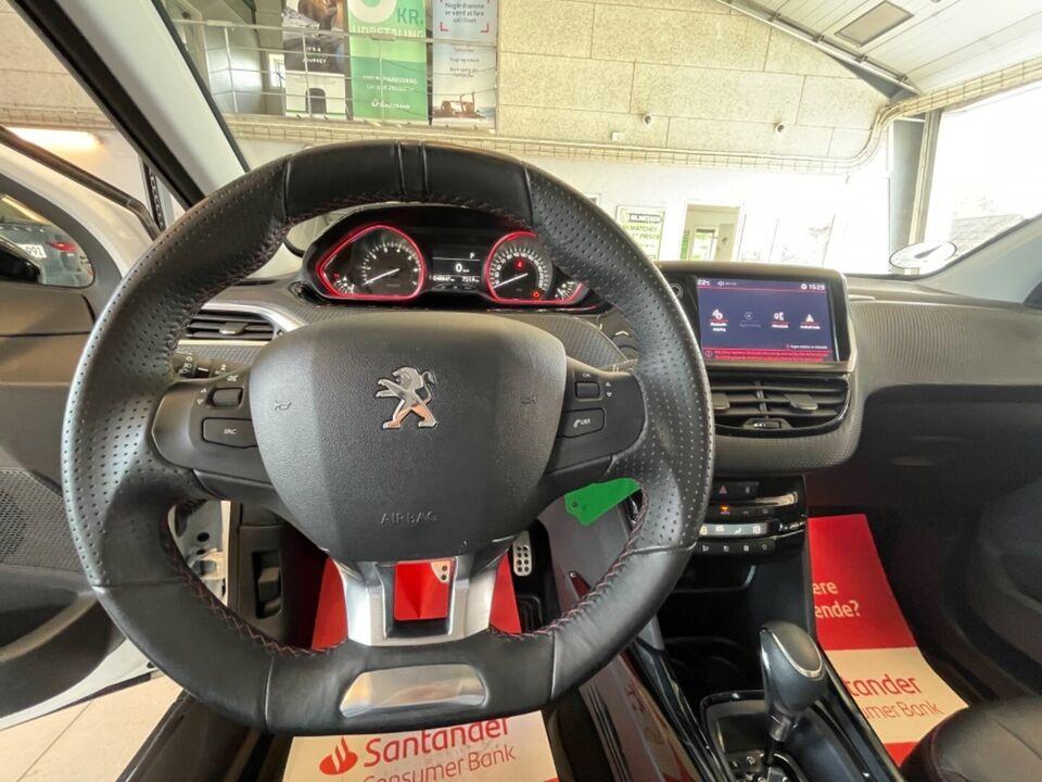 Peugeot 2008 1,2 e-THP 110 GT Line EAT6 Benzin aut.