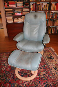 Magnificent Details About Seafoam Light Green Smaller Ekornes Stressless Mid Century Recliner And Ottoman Ocoug Best Dining Table And Chair Ideas Images Ocougorg