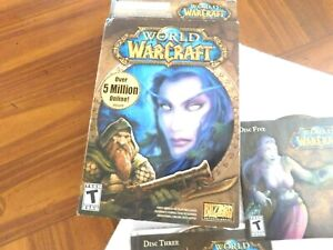 Blizzard Vintage 2004 WORLD OF WARCRAFT PC CD-ROM video game With Game Manual.