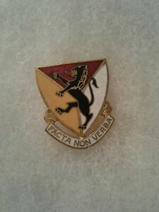 Authentic-WWII-US-Army-143rd-Artillery-Regiment-DI-DUI-Unit-Crest-Insignia-NH