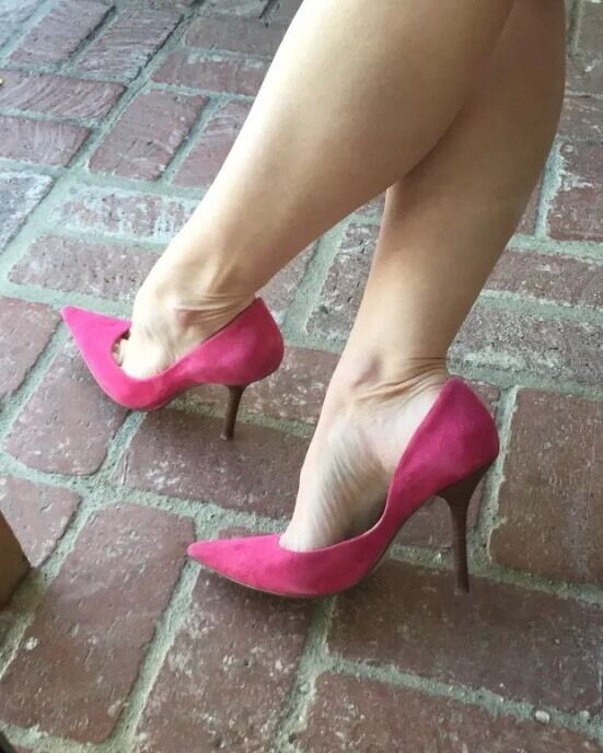 *PerFect PiNk Suede Sz 8 Heel LEATHER Pointy Toe Stiletto Heel 8 PUMPS CARRIE GuESS 0d651b
