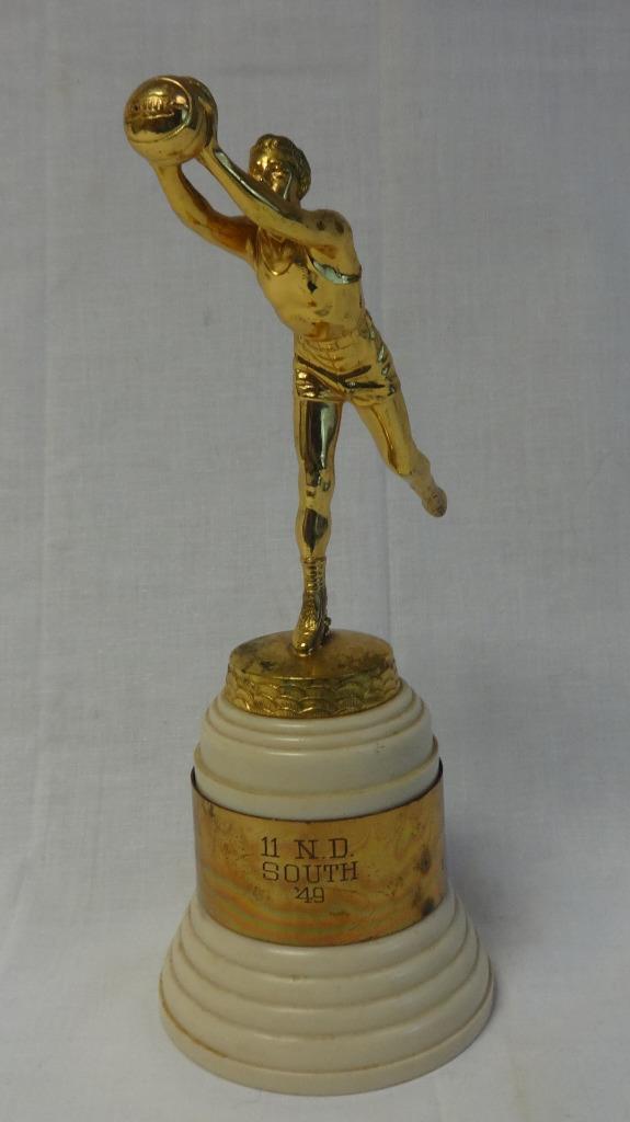 Hermosos 1949 12  Alto Figural Baloncesto Enorme Topper Trofeo