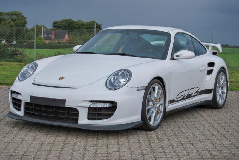 Porsche 911 GT2 Coupé - 1