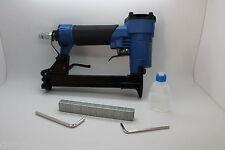 Pneumatische Möbel Tacker für Druckluft im Koffer inc. 100 Klammern