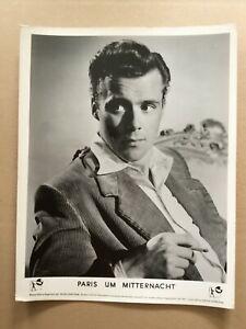 Paris-um-Mitternacht-Kinoaushangfoto-039-50-Dirk-Bogarde