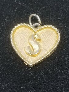 Vintage-Heart-Charm-with-Initial-S-Gold-Tone-Charm-or-Pendant