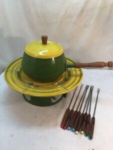 Vtg-RARE-Mid-Century-AVOCADO-Green-Yellow-Fondue-Pot-Bread-Warmer-8-Forks