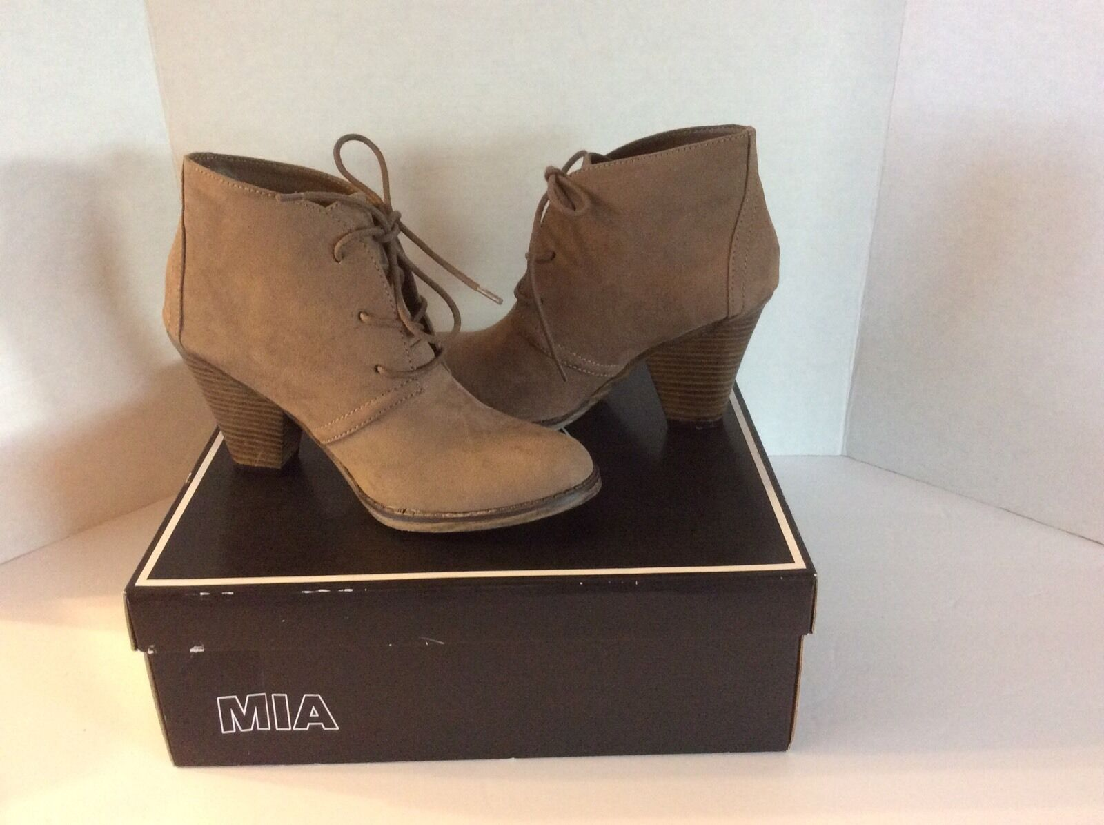 Mia Shawna Women Taupe Nova Suede Ankle Lace Up Boots Size 6.5 M NIB