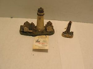 Lot Of 2 Scaasis Lighthouses