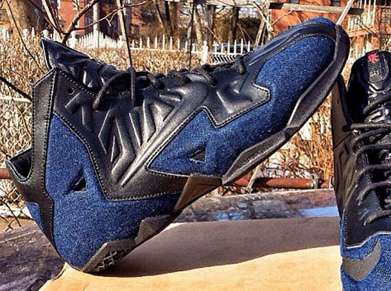 NIKE LEBRON XI EXT DENIM QS BLACK Blue DENIM Air Jordan Levi's sz 9.5 Mens Shoes