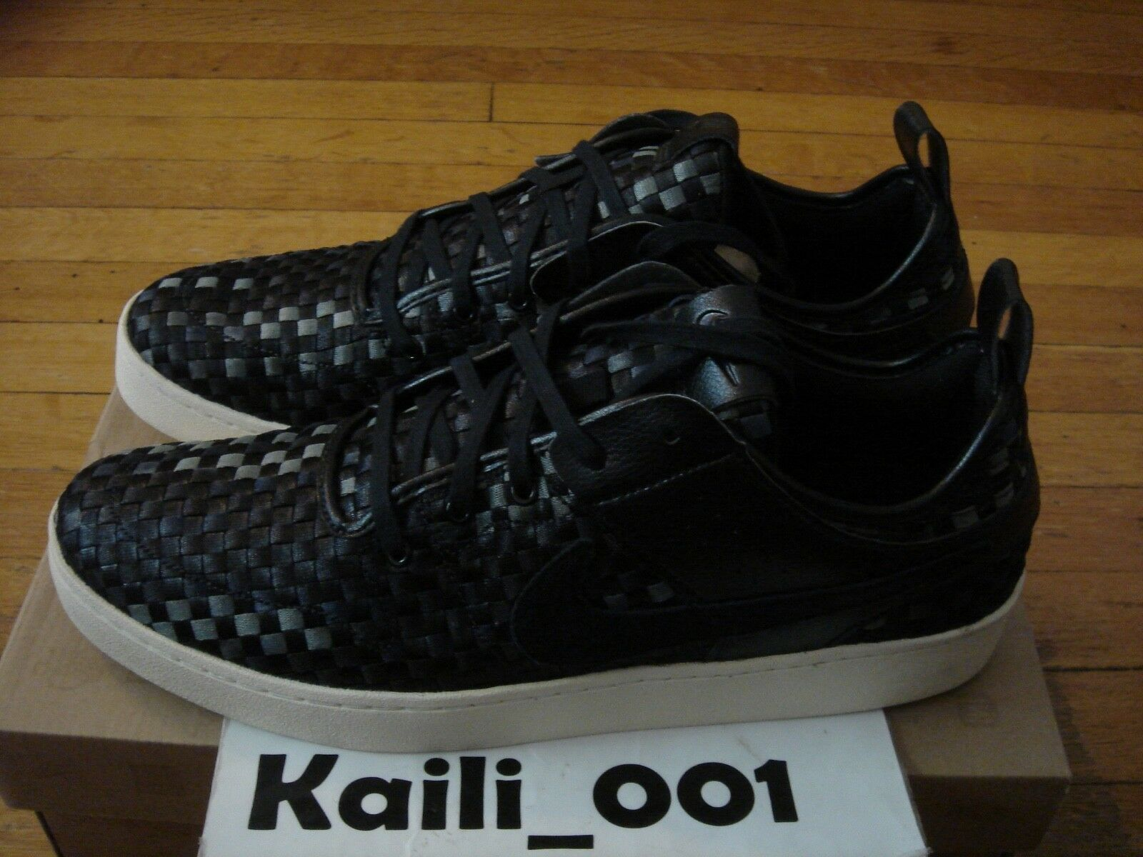 Nike SportsWear Courtside Woven Size 11 Black NSW 555102-001 B