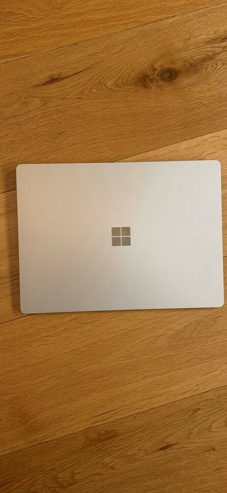 Microsoft Surface Laptop Model 1769, 2.50 GHz, 8 GB ram