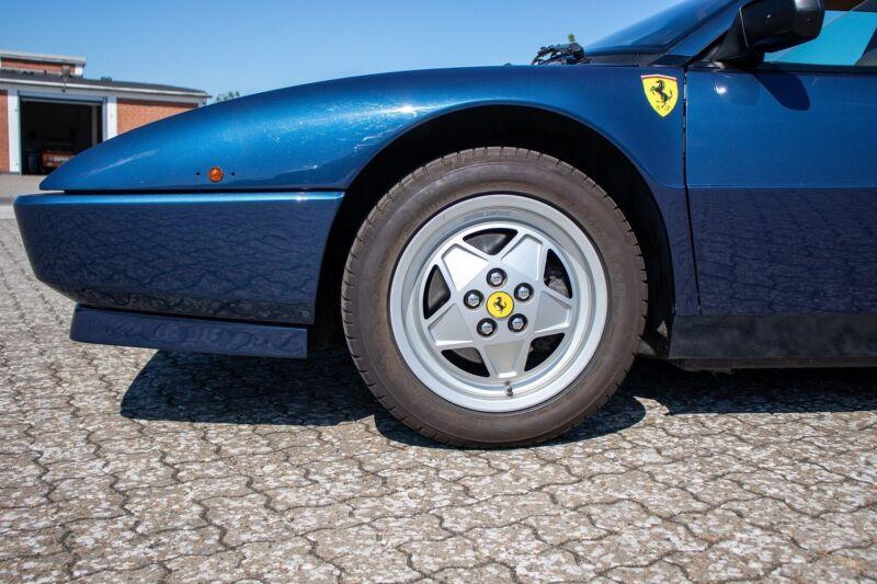 Ferrari Mondial t - 4