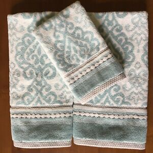 Luxury 100/% Cotton Makeup Removal And Cleansing Embroidered Finger-Tip Towels By